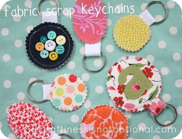 FREE handmade gifts you can make when you're broke! Amazing ideas, these are all items you can make from fabric scraps!
