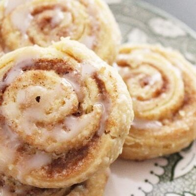 Easy Homemade Cinnamon Roll Cookies on A Green and White Plate