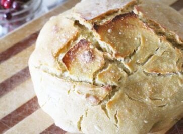 Easy no knead sourdough bread recipe using einkorn flour