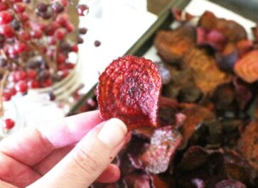 Homemade beet chips