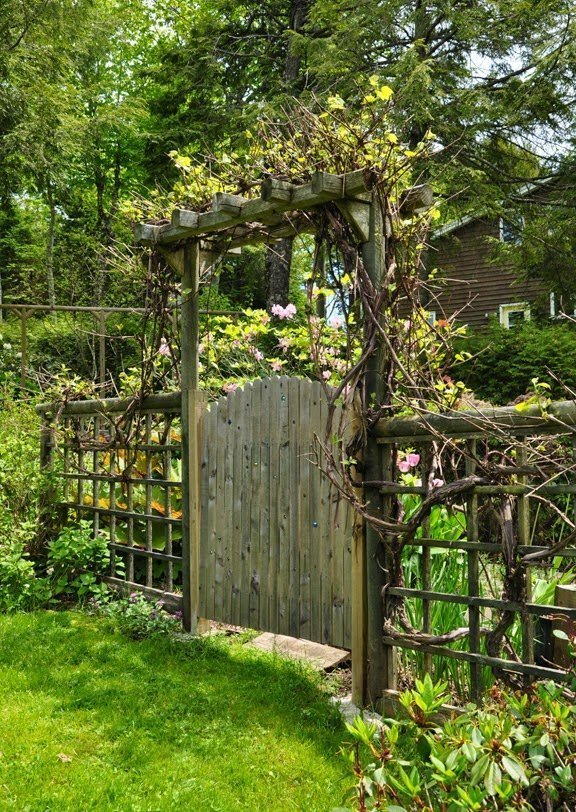 12 Gorgeous Garden Gates Plus Diy Plans
