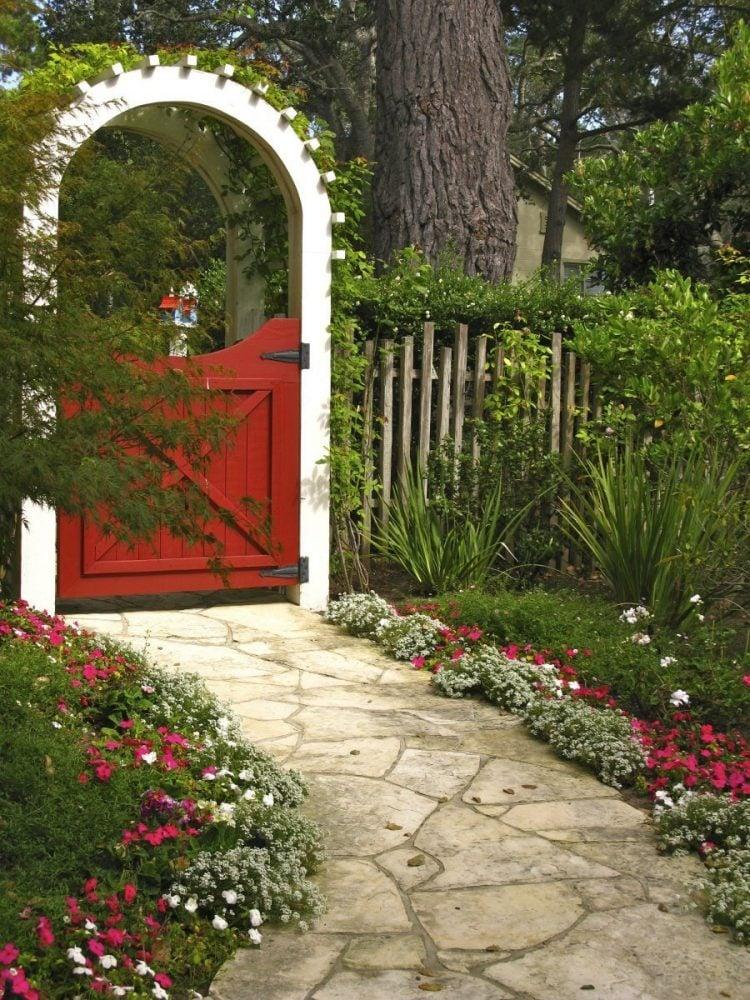 12 Gorgeous Garden Gates - Plus DIY Plans