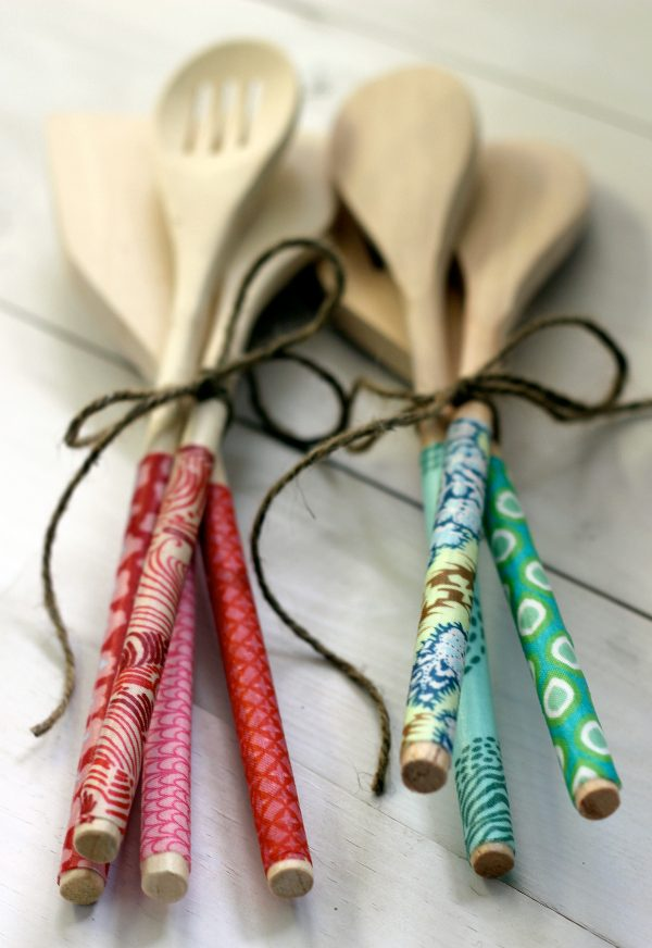 diy christmas gift idea fabric wrapped wooden spoons