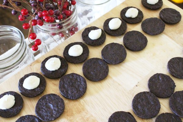 homemade oreos with cream filling