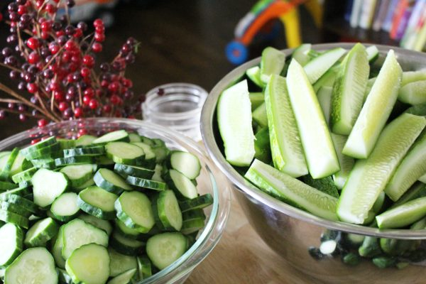 Cucumbers in slices and spears for canning dill pickles