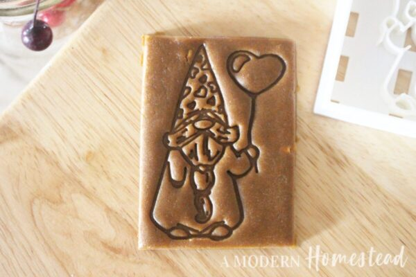 Gnome With Heart Balloon Cookie Cutter/Cookie Stamp