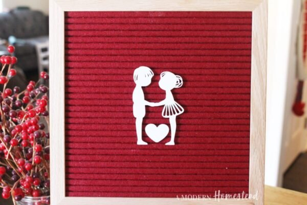 Valentine's Couple in Love for Letterboards and Felt Boards