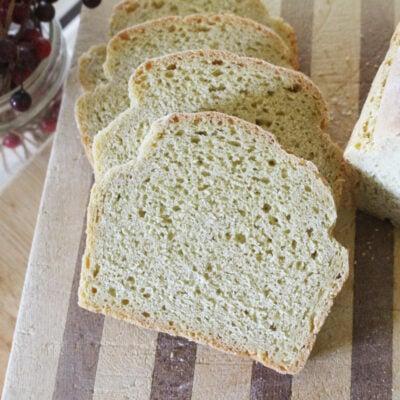 Sliced einkorn sandwich bread